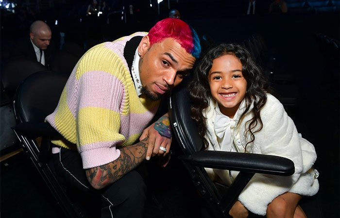 Regardez Chris Brown et sa fille Royalty relever le défi «Go Crazy»