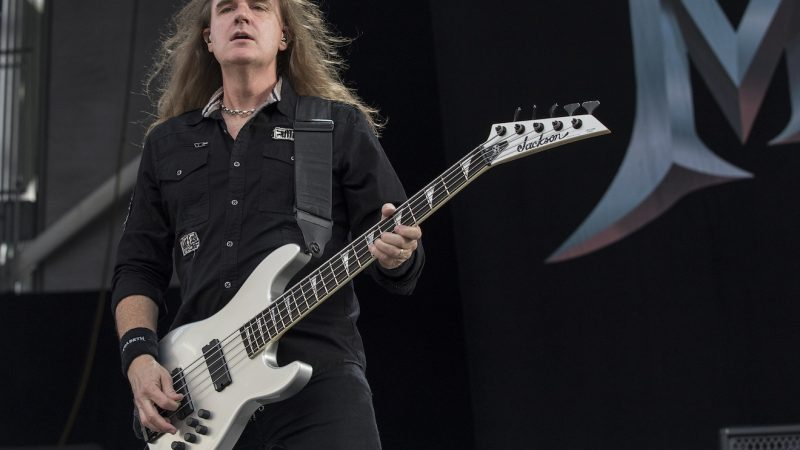 "David Ellefson de MEGADETH couvre ""Over Now"" de POST MALONE"