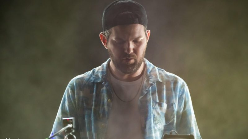 Dillon Francis lance pour le week-end IDGAFOS [WATCH LIVE]