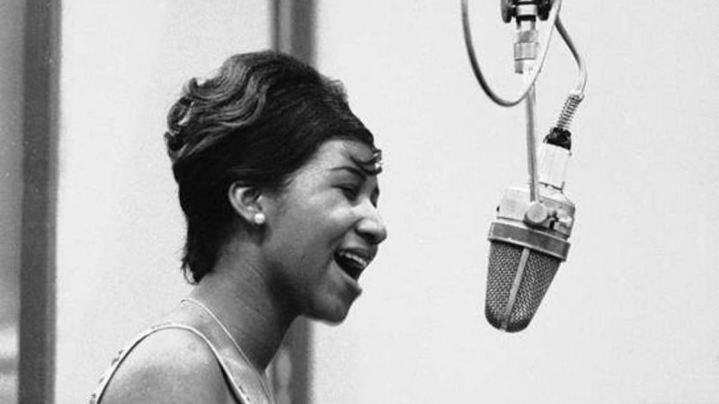"Sorti pour Juneteenth, diffusez la version solo d'Aretha Franklin de ""Never Gonna Break My Faith"""