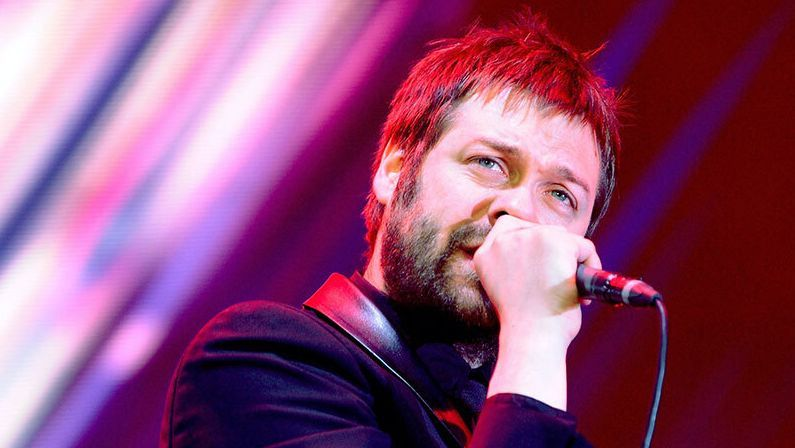 L'ancien chanteur kasabien Tom Meighan plaide coupable de violence domestique
