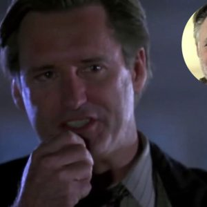 Le président Bill Pullman encourage le port d'un masque facial