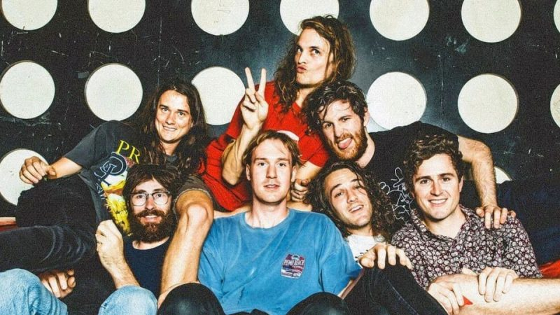 "Stream King Gizzard et le nouveau single ""Honey"" du magicien lézard"