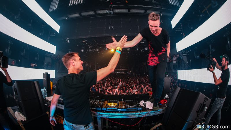 [WATCH] Armin van Buuren et Nicky Romero DJent un ensemble virtuel B2B – EDM.com
