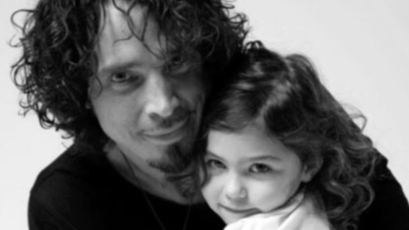 "Diffusez la version alternative d'anniversaire de Chris Cornell de ""Only These Words"""