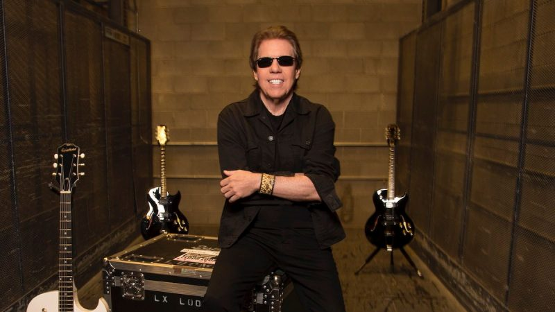 "George Thorogood lance ""Bad to the Bone"", inédit (en direct)"