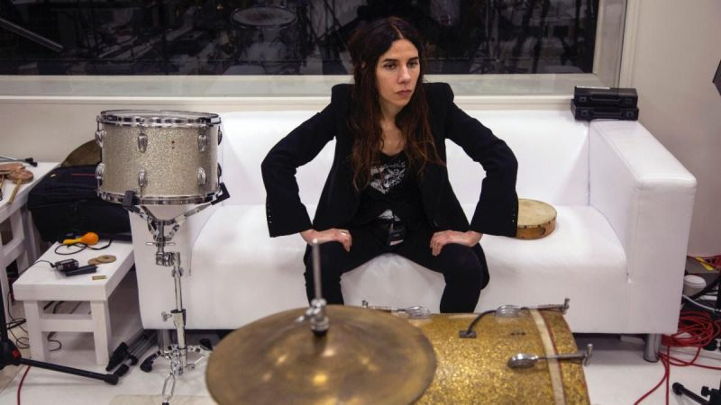 Le documentaire A Dog Called Money de PJ Harvey sera diffusé en ligne