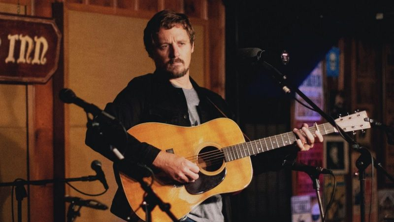 Sturgill Simpson abandonne Cuttin 'Grass Vol 2 – The Cowboy Arms Sessions: Stream
