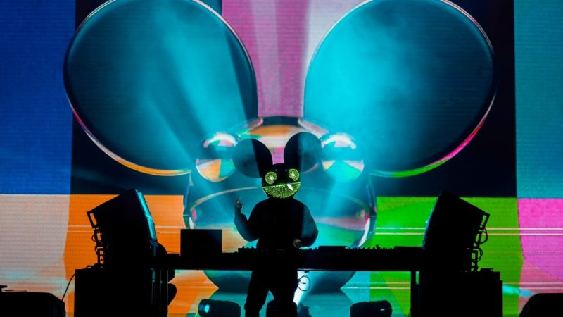 "Texas Residents Slam Deadmau5 pour ""Dropping F-Bombs"" et ""Rattling Windows"" au Drive-In Concert – EDM.com"