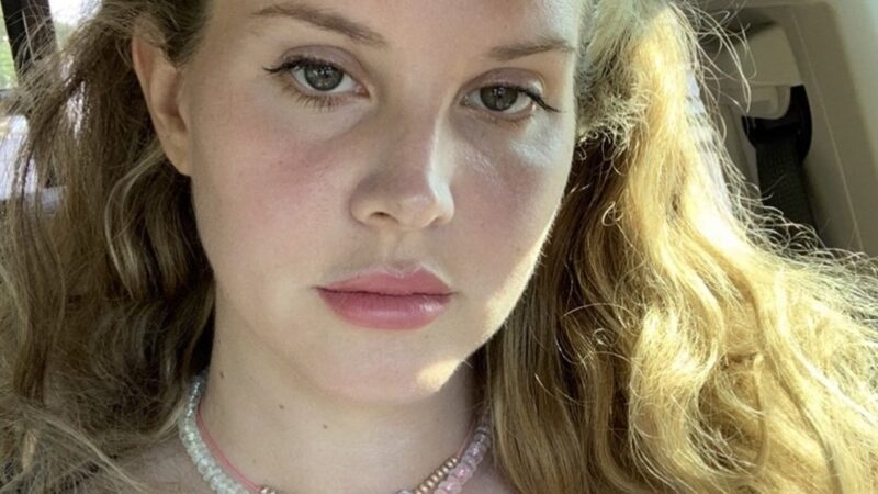 Lana Del Rey dépouille le glamour des charmants Chemtrails du Country Club |  Critique d'album