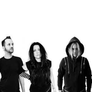 Evanescence annonce une émission gratuite en direct animée par Alice Cooper