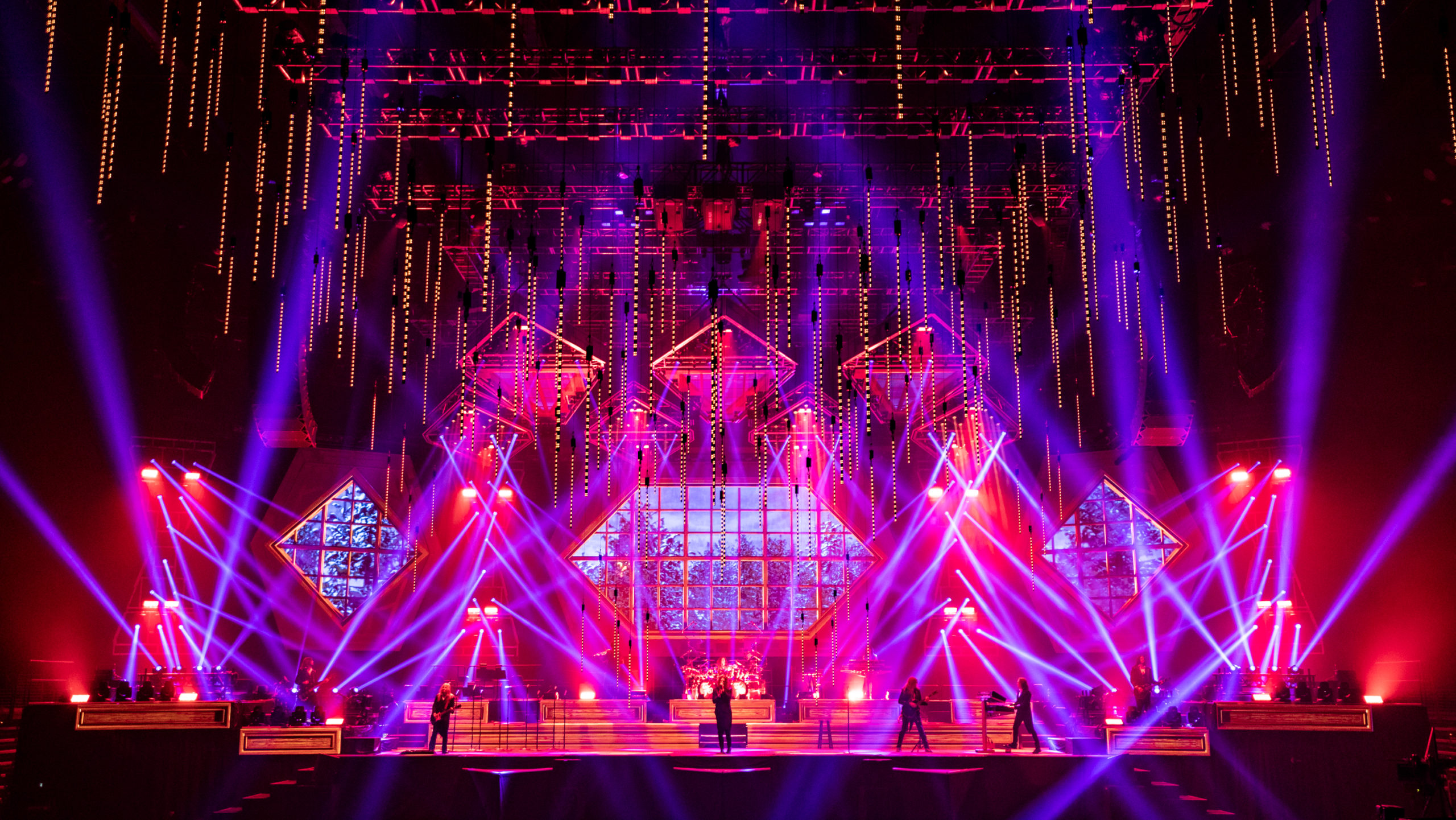 trans-siberian-orchestra-scaled-4278699-6849939-jpg